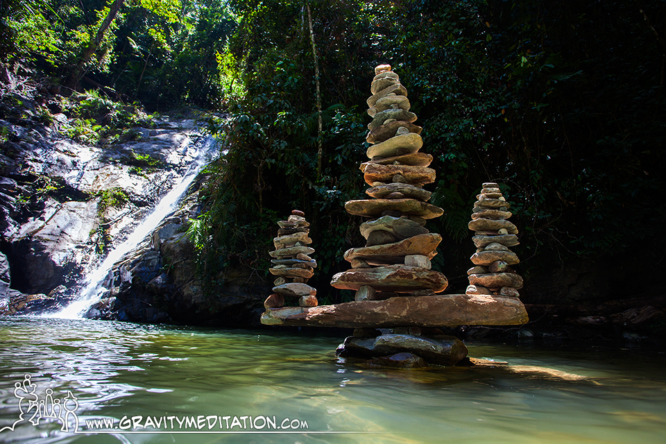 Glue Gravity of Rock Balancing by Pascal Fiechter The Art of Rock Balancing by Pascal Fiechter (Gravity Meditation)