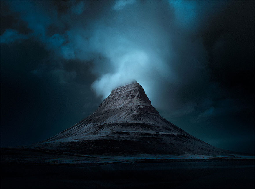 Incredible Nature Landscape Photos of Iceland 20 Incredible Photographs That You Won't Believe Are From This Planet