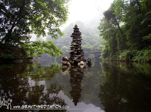 The Art of Rock Balancing by Pascal Fiechter (Gravity Meditation)