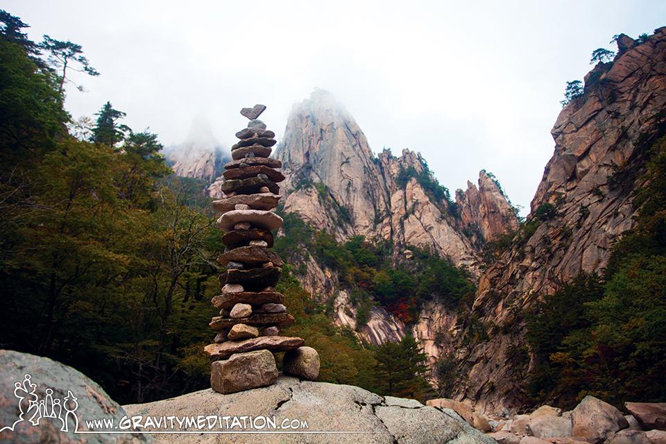 Wonderful Rock Balancing by Pascal Fiechter The Art of Rock Balancing by Pascal Fiechter (Gravity Meditation)