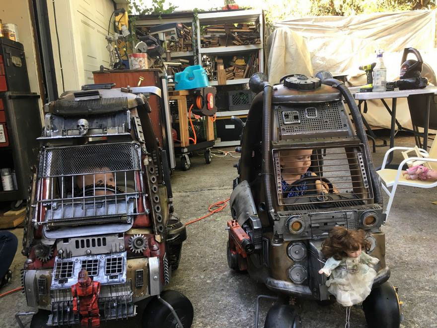 "Dad Turns Kids' Toy Cars Into Badass ""Mad Max"" 4 Dad Turns Kids' Toy Cars Into Badass ""Mad Max"" Vehicles : Fury Road Vehicles"