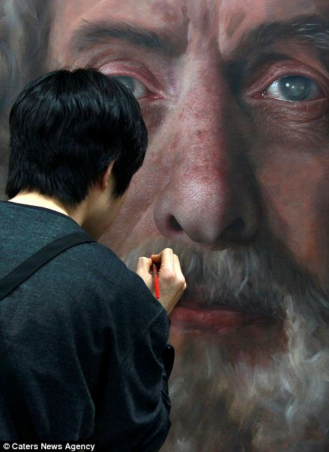 Giant Hyperrealistic Portrait Paintings By Joongwon Jeong 4 Giant Hyperrealistic Portrait Paintings By Joongwon Jeong