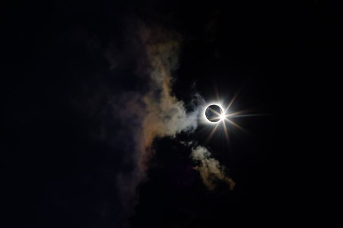 Best Shots Of The 2017 Solar Eclipse 10 10+ Of The Best Shots Of The 2017 Solar Eclipse