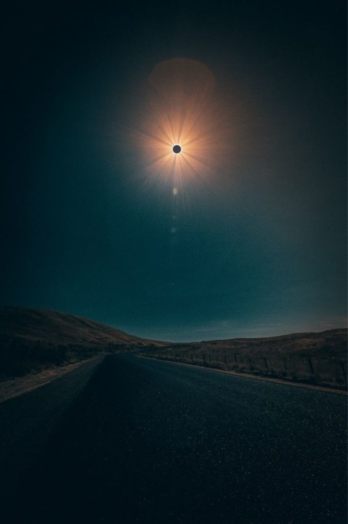 Wonderful Shots Of The 2017 Solar Eclipse 681x1024 10+ Of The Best Shots Of The 2017 Solar Eclipse