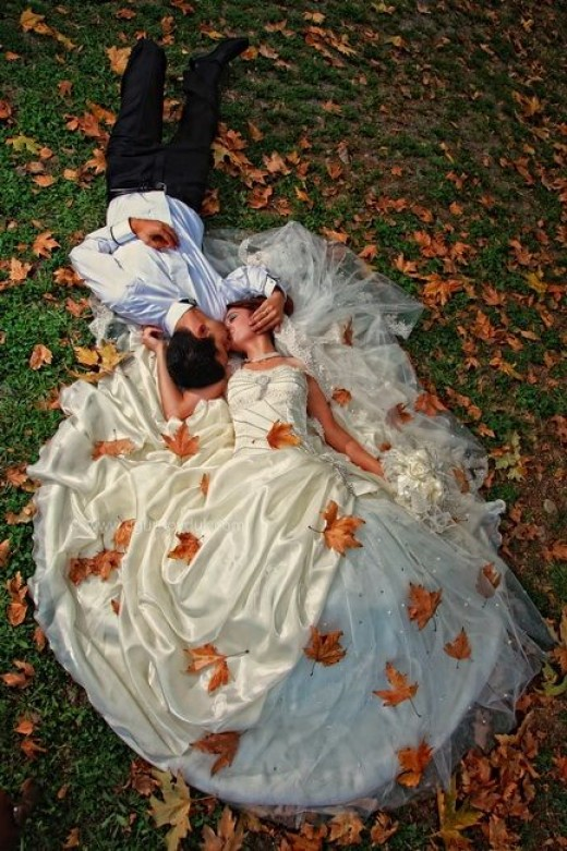 Best Wedding Photography Poses Ideas for Couples Wedding Photography Poses Ideas for Couples