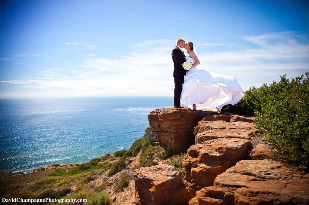 gambar 4 5 Stunning Beach Wedding Photography Poses for Newly Weds
