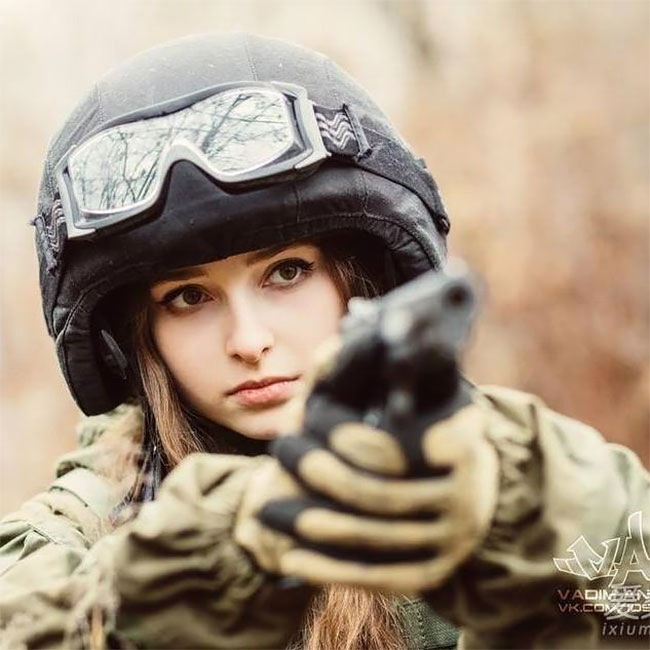 Meet Elena Deligioz Probably The Most Beautiful Female Cosplay 4 Meet Elena Deligioz, Probably The Most Beautiful Female Cosplay Soldier In The World