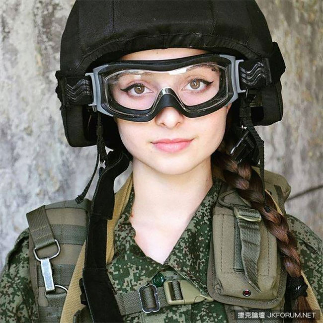 Meet Elena Deligioz Probably The Most Beautiful Female Cosplay 7 Meet Elena Deligioz, Probably The Most Beautiful Female Cosplay Soldier In The World