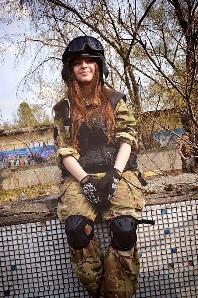 Meet Elena Deligioz Probably The Most Beautiful Female Cosplay 9 Meet Elena Deligioz, Probably The Most Beautiful Female Cosplay Soldier In The World