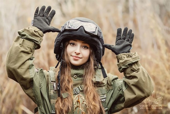 Meet Elena Deligioz Probably The Most Beautiful Female Cosplay Soldier In The World Meet Elena Deligioz, Probably The Most Beautiful Female Cosplay Soldier In The World