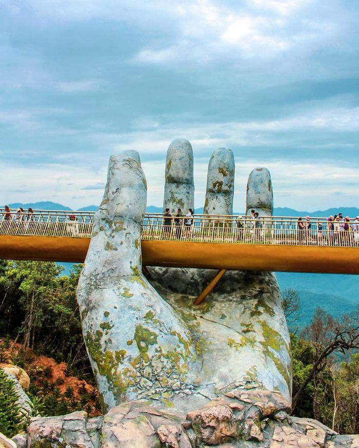 Amazing Giant Hands Bridge In Vietnam 1 Amazing Giant Hands Bridge In Vietnam