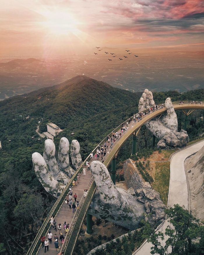 Amazing Giant Hands Bridge In Vietnam 3 Amazing Giant Hands Bridge In Vietnam