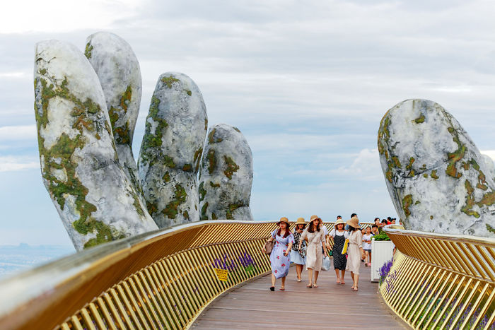 Amazing Giant Hands Bridge In Vietnam 7 Amazing Giant Hands Bridge In Vietnam