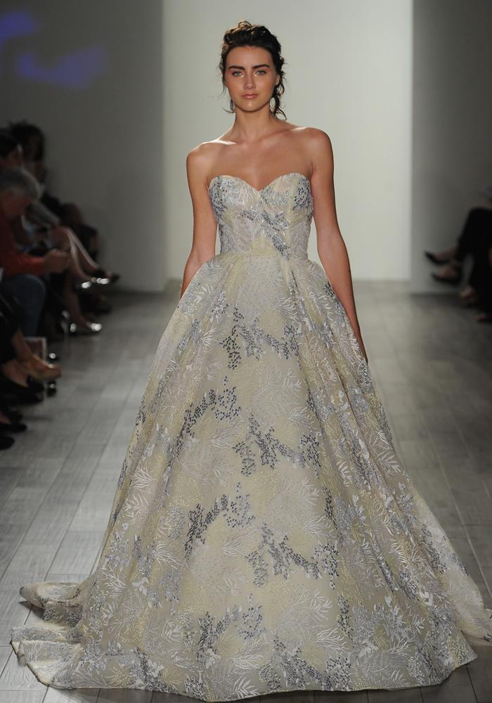 Beautiful Coloured Wedding Dresses 4 Best Wedding Dress Ideas for Beautiful Brides