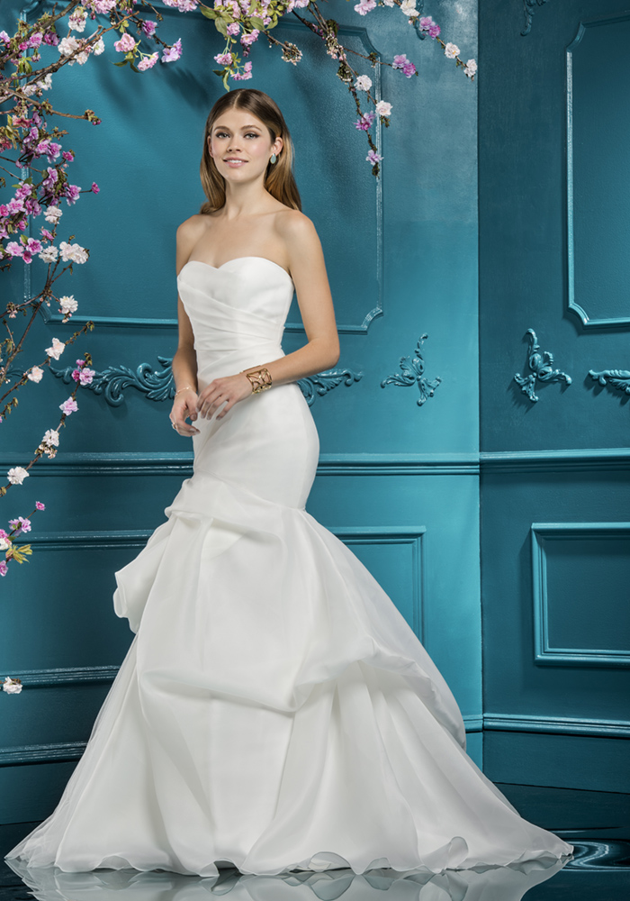 Beautiful Fit 'n' Flare Wedding Dresses 9 Best Wedding Dress Ideas for Beautiful Brides
