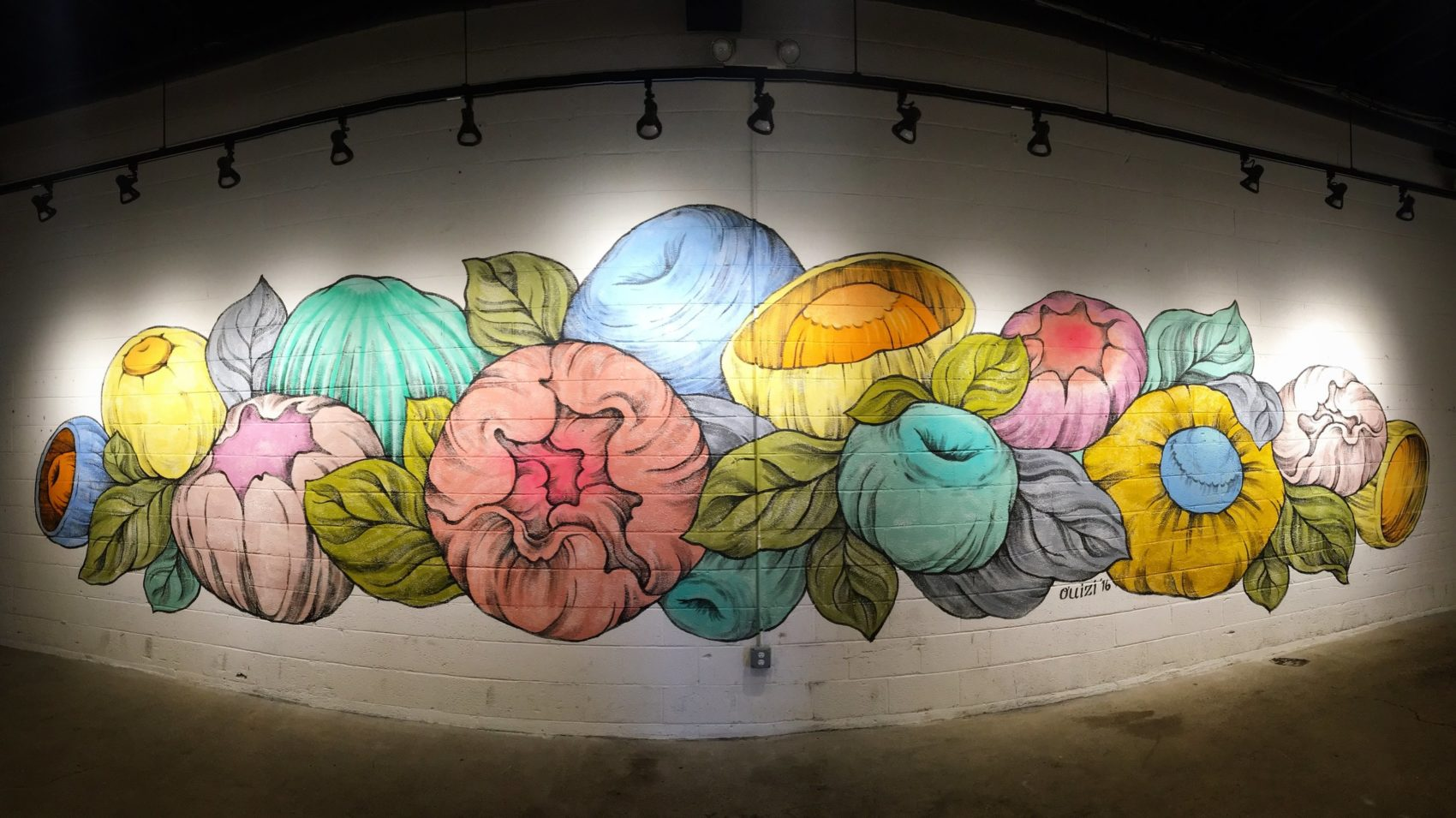 Stunning Huge Murals Floral by Ouizi 5 Stunning Huge Murals Floral by Ouizi