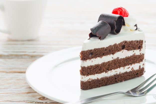 Surprise with Cake Gifts Ideas to Surprise Your Distant Friend on Birthday