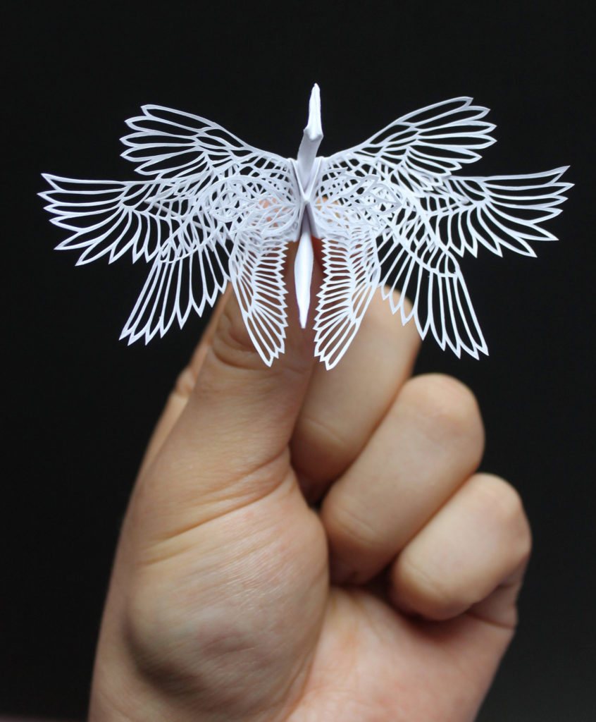 the Most Beautiful Paper Cranes with Feathery Details 1 846x1024 The Most Beautiful Paper Cranes with Feathery Details