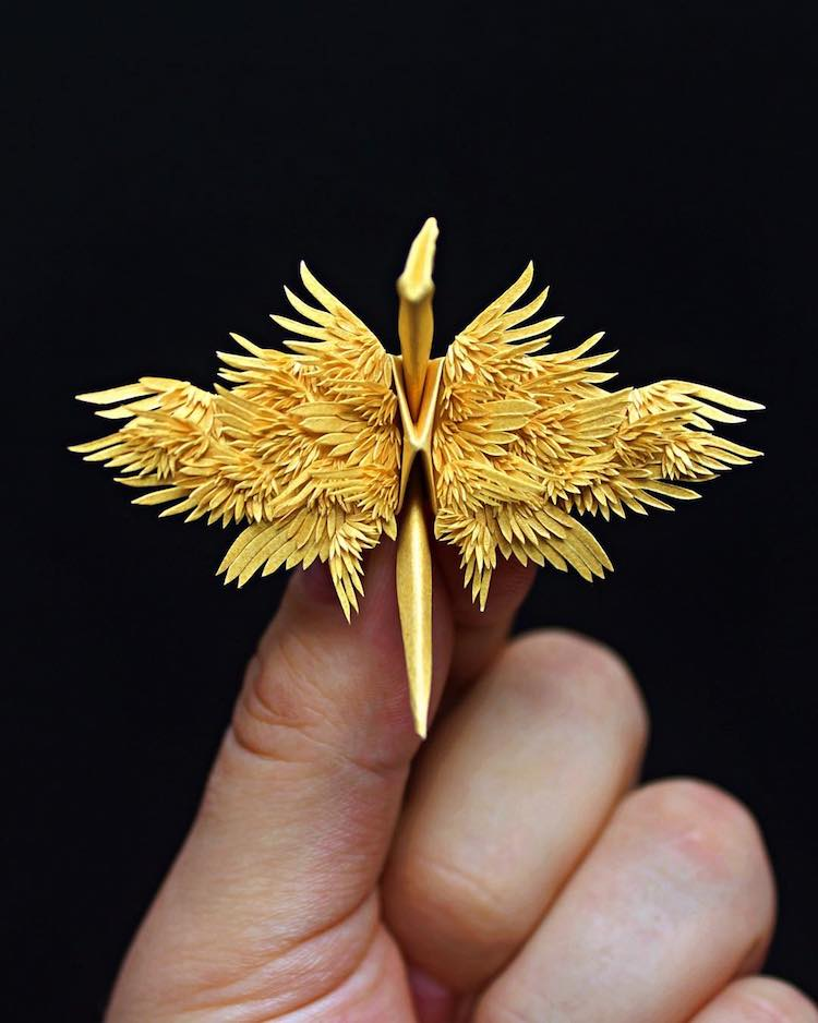 the Most Beautiful Paper Cranes with Feathery Details 10 The Most Beautiful Paper Cranes with Feathery Details