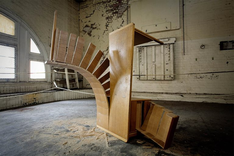 Mind Blowing Sculptural Installations by Robbie Rowlands 4 Mind Blowing Sculptural Installations by Robbie Rowlands