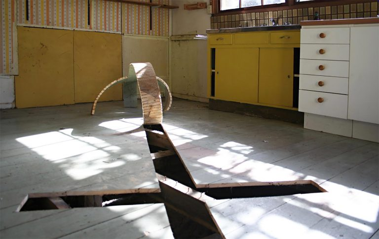 Mind Blowing Sculptural Installations by Robbie Rowlands 7 Mind Blowing Sculptural Installations by Robbie Rowlands