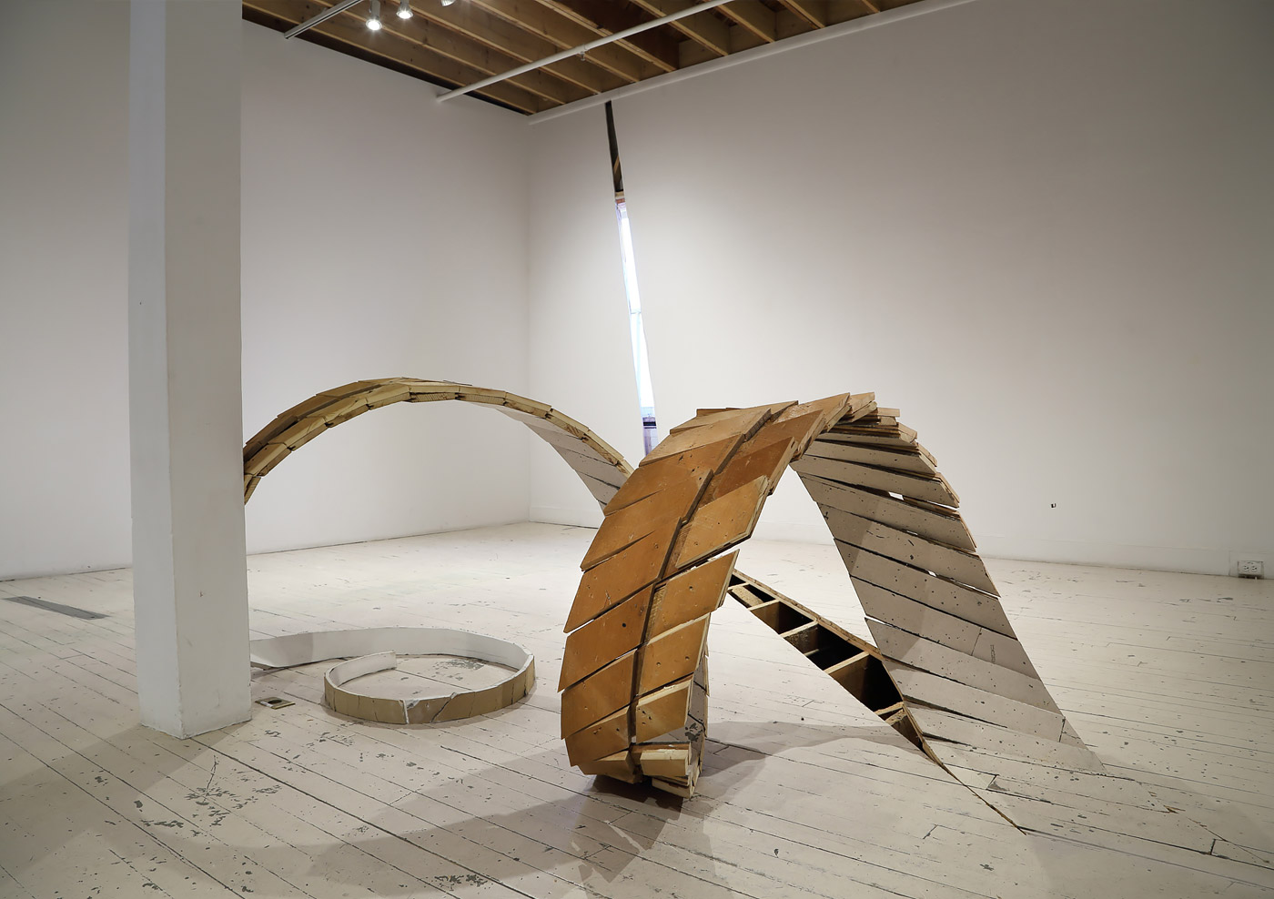 Mind Blowing Sculptural Installations by Robbie Rowlands
